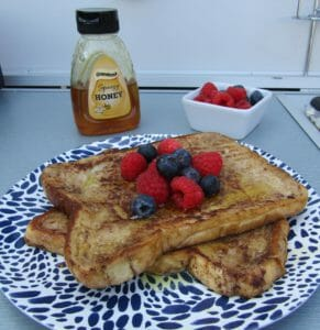 Sweet french toast with honey and ber